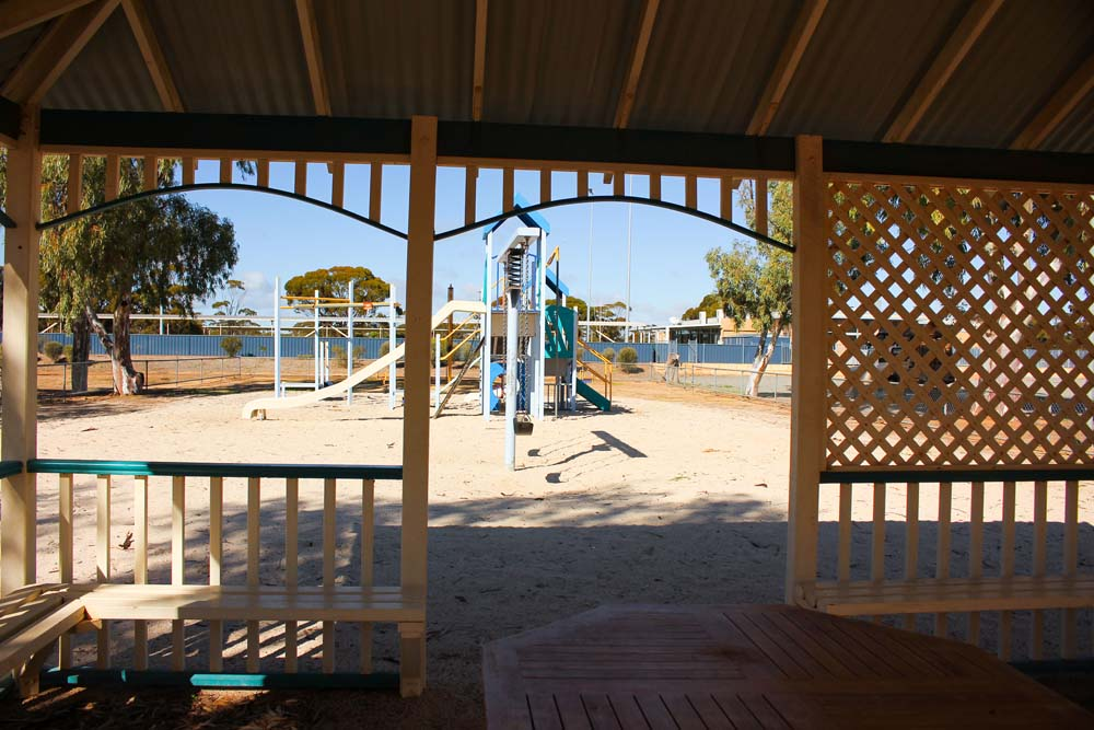 Centenary Park Playground covered seating area in town of Beacon, Western Australalia